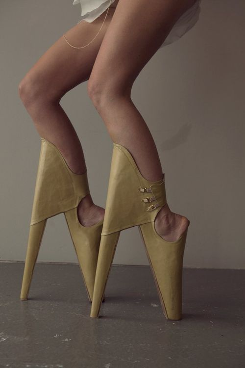 Scary-beautiful-shoes