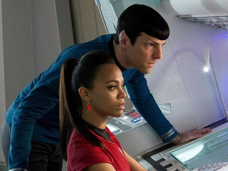 Star-trek-into-darkness-zoe-saldana-zachary-quinto-1